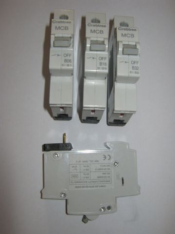 CRABTREE EARLY STARBREAKER 61 RANGE B6 B10 B16 B20 B32 B40 MCB CIRCUIT BREAKERS